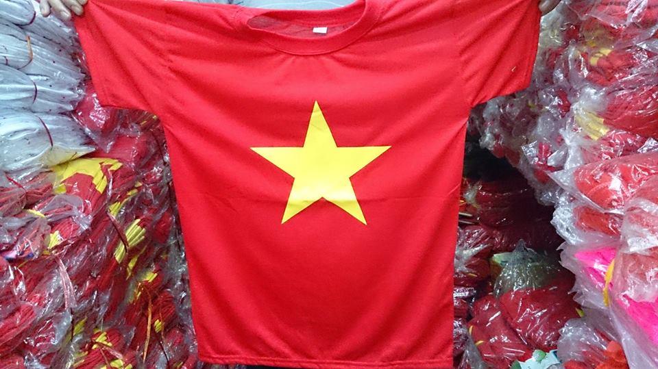 【ĐÂY RỒI !!!】 Xưởng bỏ sỉ áo cờ đỏ sao vàng giá rẻ nhất thị trường