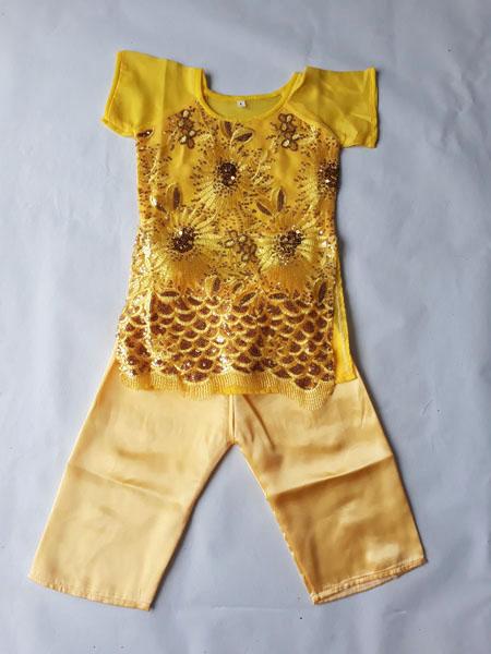 Áo dài kim sa màu vàng