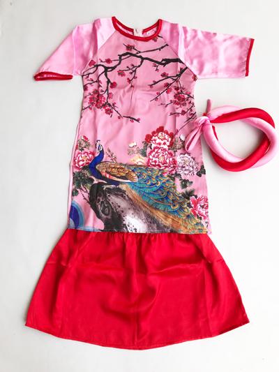 Áo dài con công màu hồng