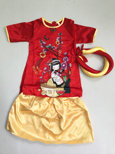 Áo dài em bé đỉnh vàng màu đỏ
