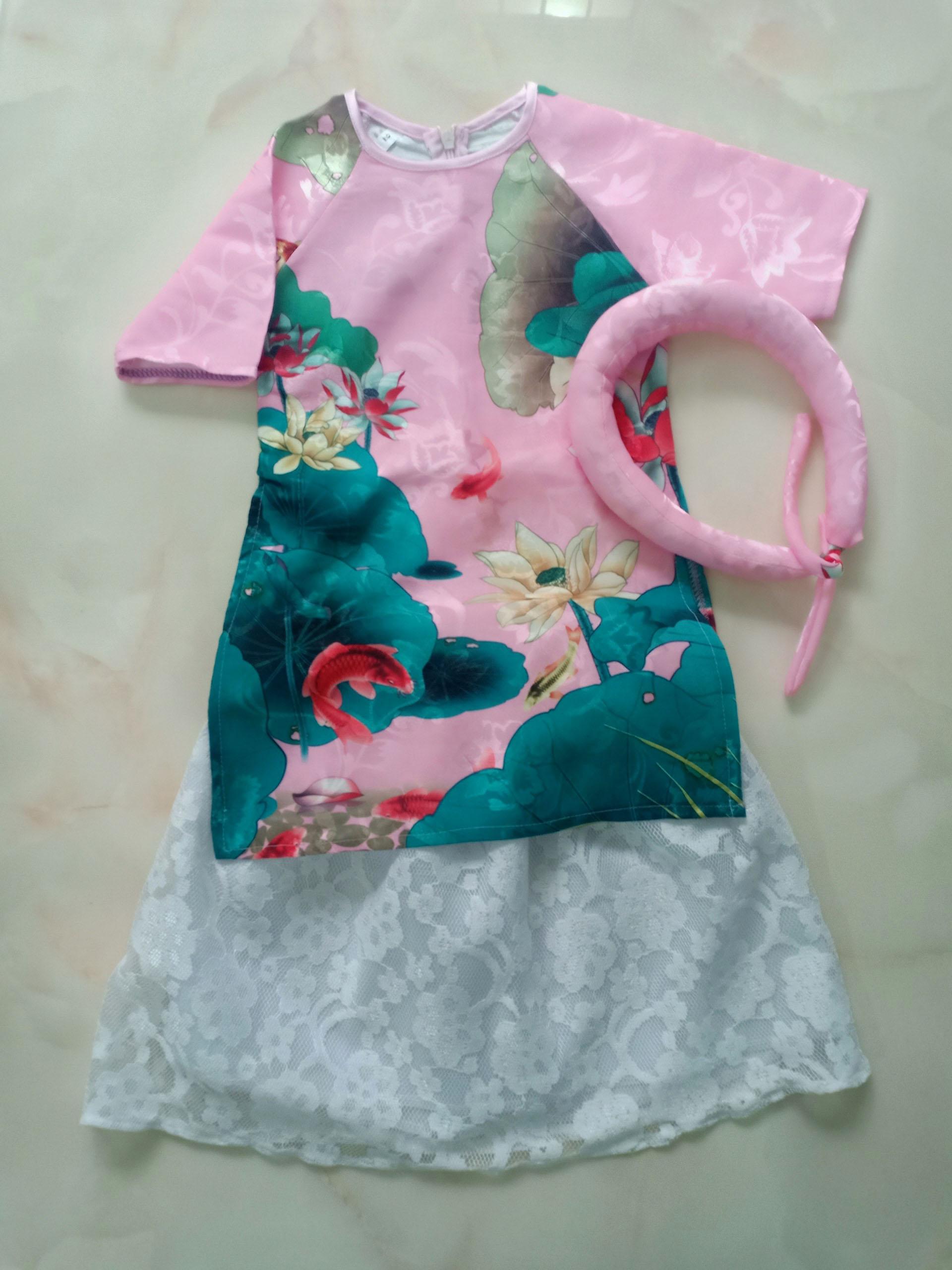 Áo dài cách tân hoa sen màu hồng phấn